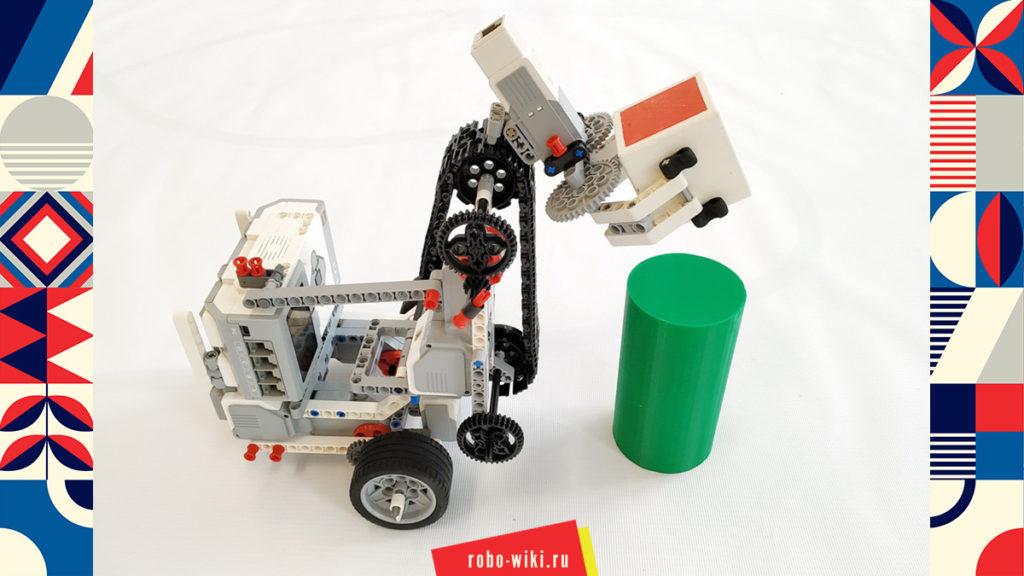 💾🔑 Мобильный манипулятор (подъемник) Lego EV3 с цепной передачей на большом моторе v1.2