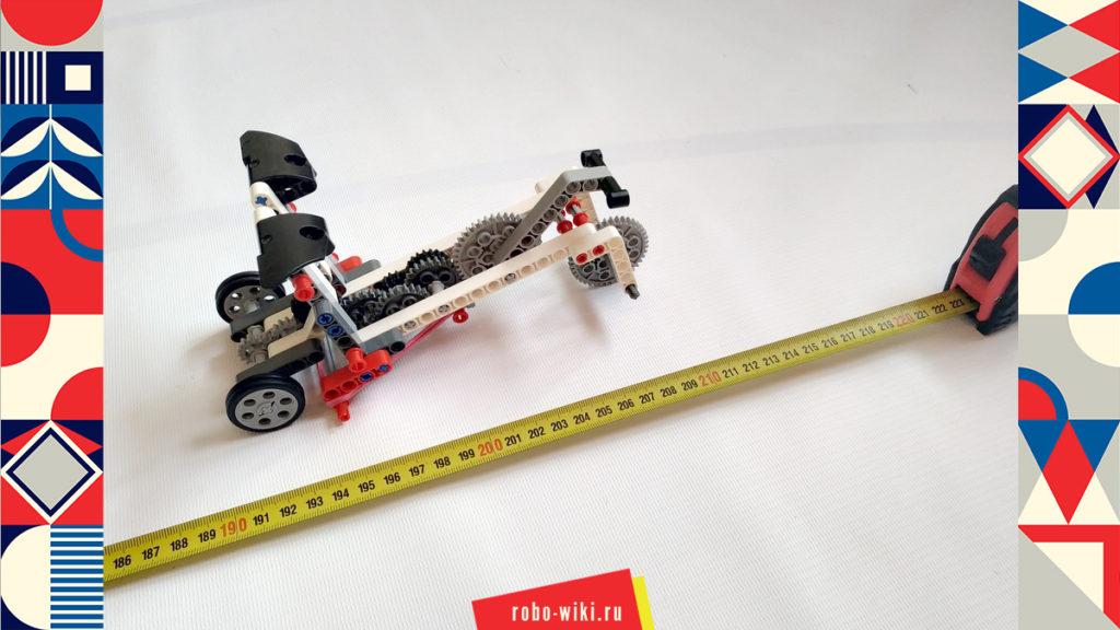 """💾🔑 Машинка Lego EV3 на резиномоторе c многоступенчатой зубчатой передачей - вариант 2. Соревнование """"Гонки на дальность"""" v1.2"""